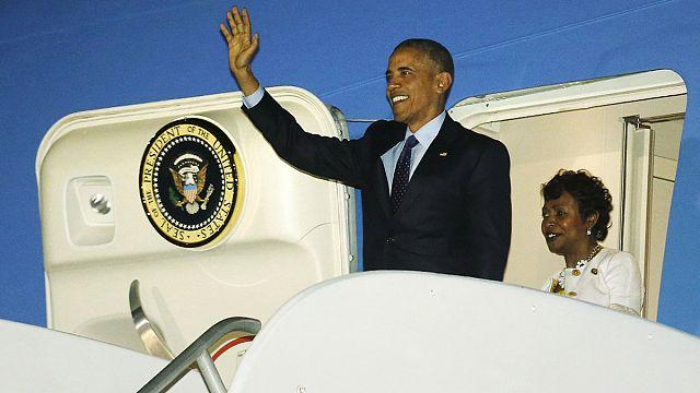 أوباما يصل جامايكا في أول زيارة لرئيس أمريكي منذ 1982