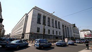 مقتل أربعة أشخاص في إطلاق نار عشوائي داخل محكمة في إيطاليا