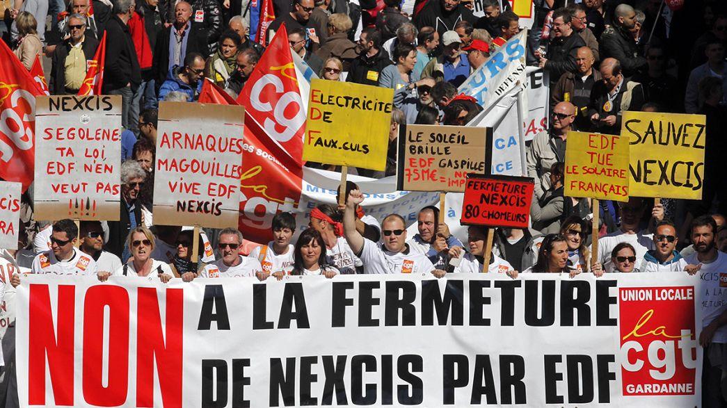 Miles de franceses salen a la calle para decir No a la austeridad