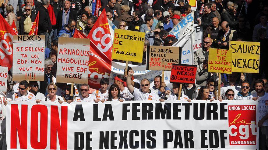 Fransa'da sendikalardan hükümetin ekonomi politikalarına tepki