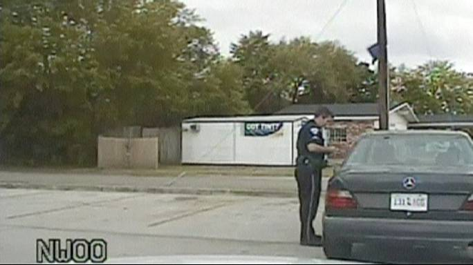 США: новое видео с места убийства с участием полицейского