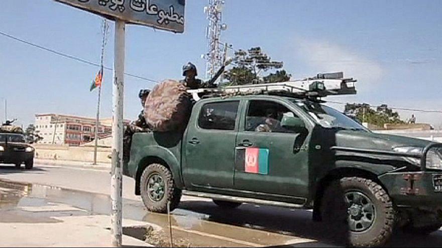 Afganisztán: tízen meghaltak egy bíróság elleni támadásban