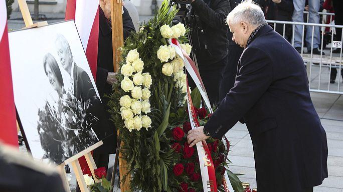 Polonya, uçak kazasında ölen Cumhurbaşkanı Kaçinski'yi andı