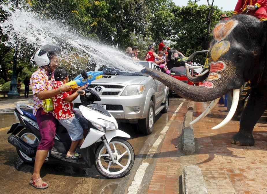 L'image du jour : le festival des eaux en Thaïlande