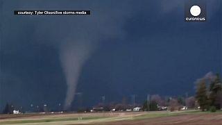 [Vidéo] Une violente tornade s'abat sur l'Illinois