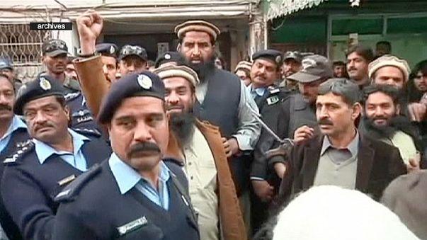 باكستان تفرج عن العقل المدبر لهجمات مومباي