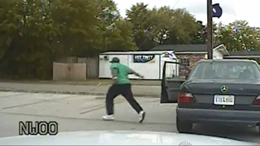 США: офицера полиции, убившего безоружного чернокожего, ожидает длительный тюремный срок