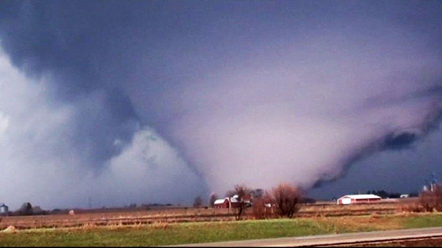 Stati Uniti, devastante tornado nel Midwest