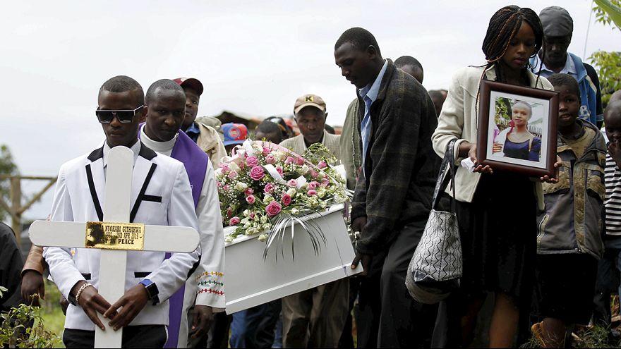Kenia empieza a enterrar a las víctimas de la masacre en la Universidad de Garissa