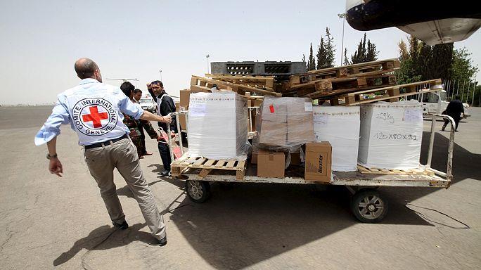 A huszi lázadók fegyverraktárait bombázta a szaudi légierő Jemenben