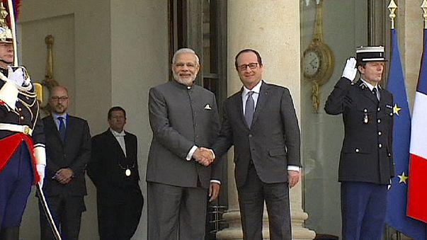 Hindistan Fransa'dan savaş uçağı alacak