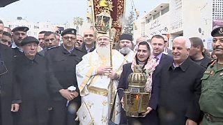 """Orthodoxe feiern Wunder des """"Heiligen Feuers"""""""