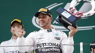 السرعة: هاميلتون يسترجع هيمنة مرسيدس على سباقات الفورمولا 1