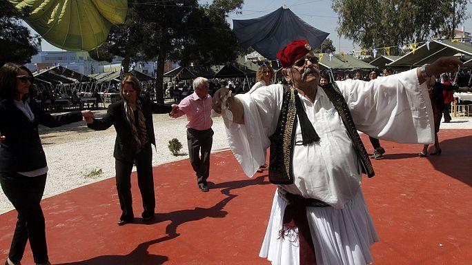 Ételért álltak sorba a görögök húsvétvasárnap