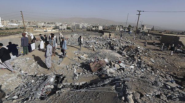 Bombardeamentos no Iémen entram na 3a semana