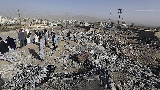 Yemen'e hava saldırısında üçüncü hafta