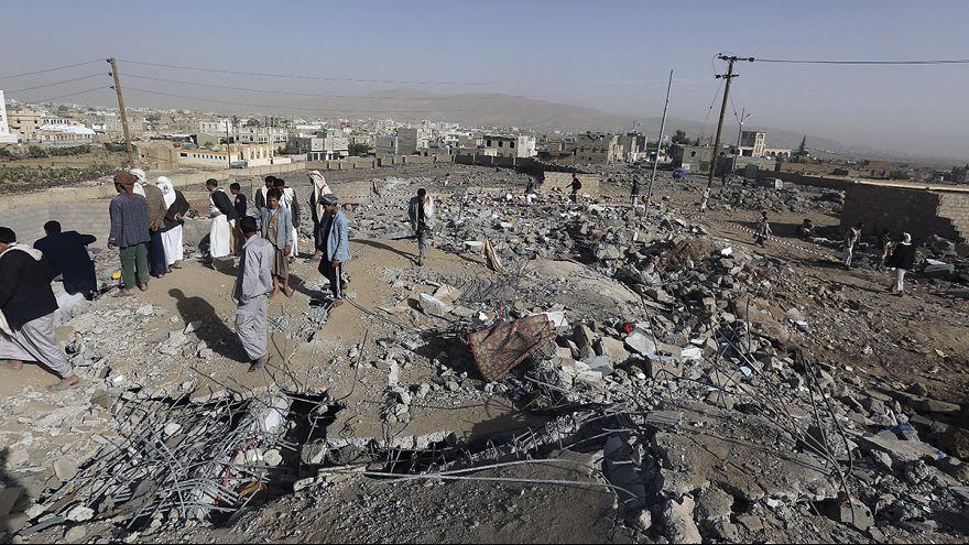 العمليات العسكرية التي تقودها الرياض في اليمن تدخل أسبوعها الثالث