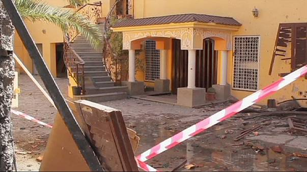 اعتداء على سفارتيْ المغرب وكوريا الجنوبية في طرابلس...وحوار للفُرقاء الليبيين في الجزائر