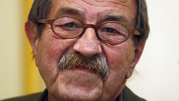 Hommages à l'écrivain Günter Grass, homme de controverses