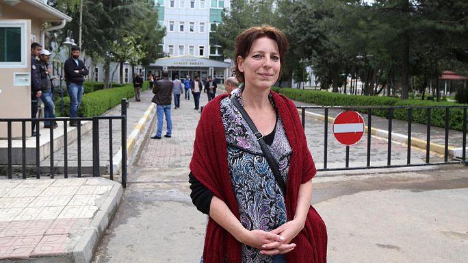 تركيا: تبرئة صحفية هولندية من تهمة نشر دعاية ارهابية