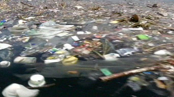 التلوث يضرب خليج ريو دي جانيرو قبل عام من انطلاق الألعاب الأولمبية