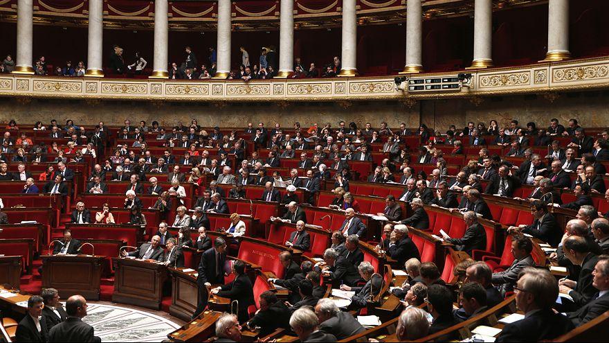 França aplica lei para limitar recrutamento terrorista na internet