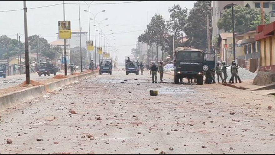 Gine'de muhalefetten göstericilere eve dönün çağrısı