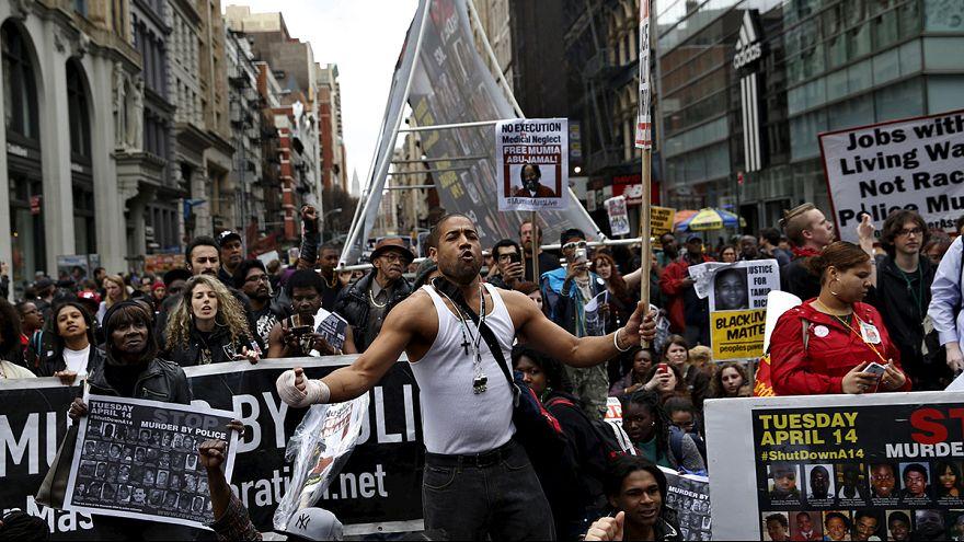 Manifestación en Nueva York contra los abusos raciales de la policía