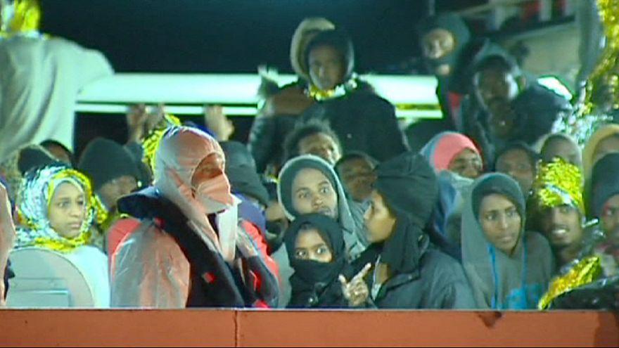 Dramma degli sbarchi: oltre 400 migranti a Palermo, emergenza accoglienza