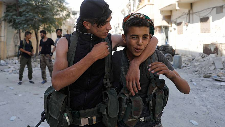 Image: Teen fighters of Syrian Democratic Forces