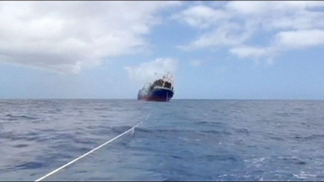 """Un navire russe sombre un peu plus d'un an après sa coûteuse """"libération"""""""