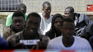 La crisis de los refugiados en Italia pone en tela de juicio las políticas de migración de la UE