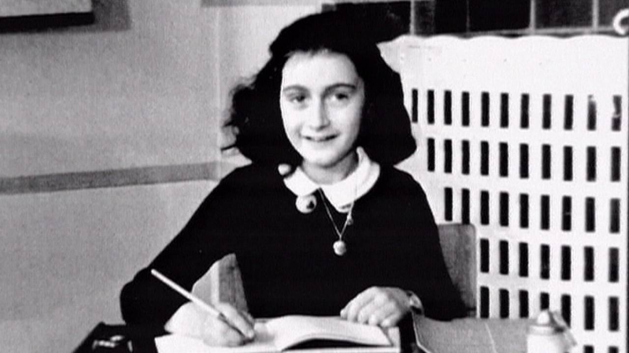 Anne Frank remembered 70 years after her death in Bergen-Belsen