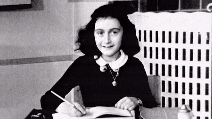 Egyperces csend helyett felolvasás: 70 éve halt meg Anne Frank