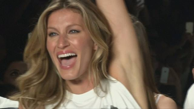 Brazil bids bye bye to Gisele as top model treads the catwalk for the last time