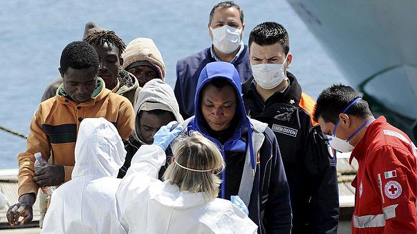 خفر السواحل الايطالي ينقذ نحو ستمئة مهاجر خلال أربع وعشرين ساعة