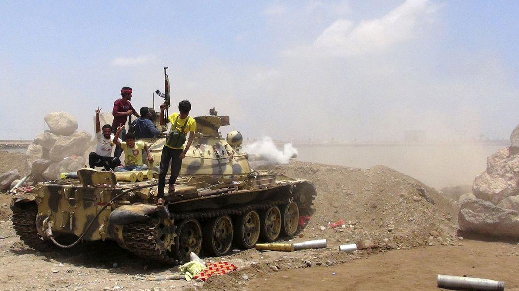اليمن: تنظيم القاعدة يسيطر على مطار المكلا في حضرموت