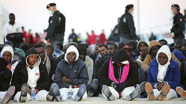 Hristiyanları tekneden atan 15 göçmen yakalandı
