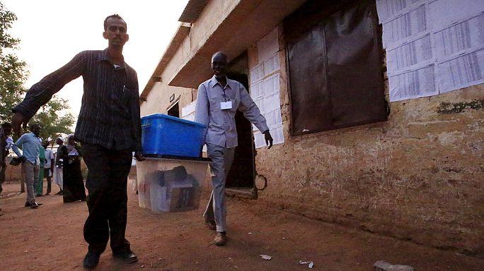 Sudan'da sandıklar kapandı