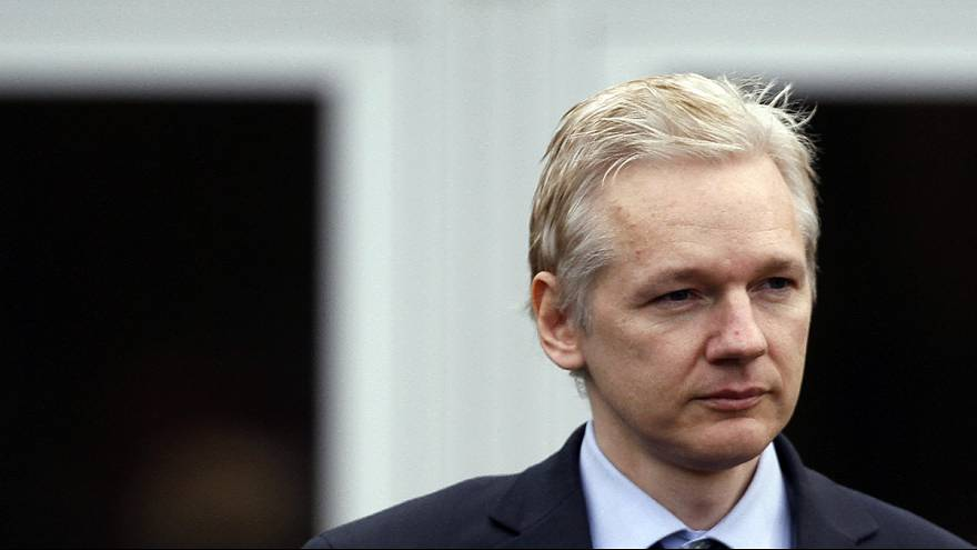 Londonban hallgatják meg Assange-t a svéd hatóságok