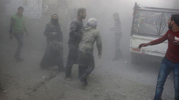 Szíria: Élve került ki a romok alól egy hároméves lány