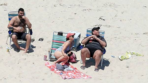 Image: New Jersey Governor Chris Christie enjoys the beach with his family