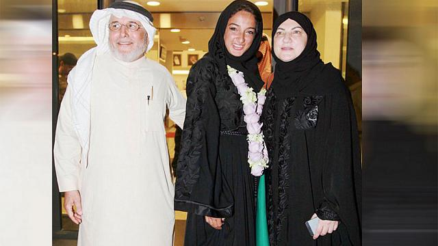 """ثاني سعودية تصعد قمة """"إفرست"""" طبيبة أسنان"""