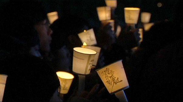 """Сеул. Тысячи свечей - в память о погибших на пароме """"Сэволь"""""""