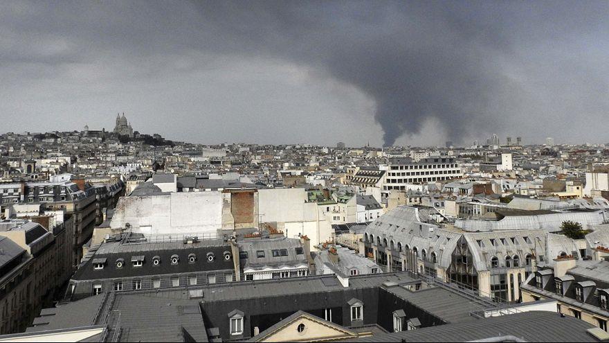 Paris: Reaberta autoestrada encerrada por causa de incêndio