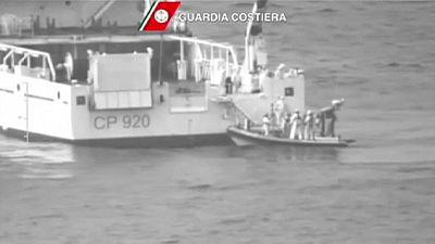 В Средиземном море затонуло судно с беженцами: есть опасения, что погибли сотни человек