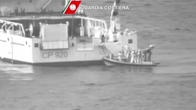 Földközi-tenger: több száz menekült veszhetett a vízbe