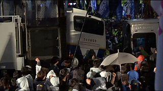 Seul, scontri tra polizia e parenti delle vittime del naugragio del traghetto