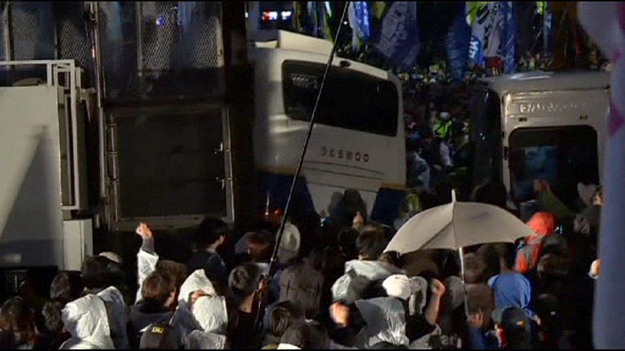 Decenas de heridos en Seúl en las protestas por la gestión del accidente del ferry Sewol