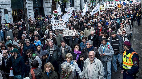 Magyarország: összehangolt tüntetés a korrupció ellen